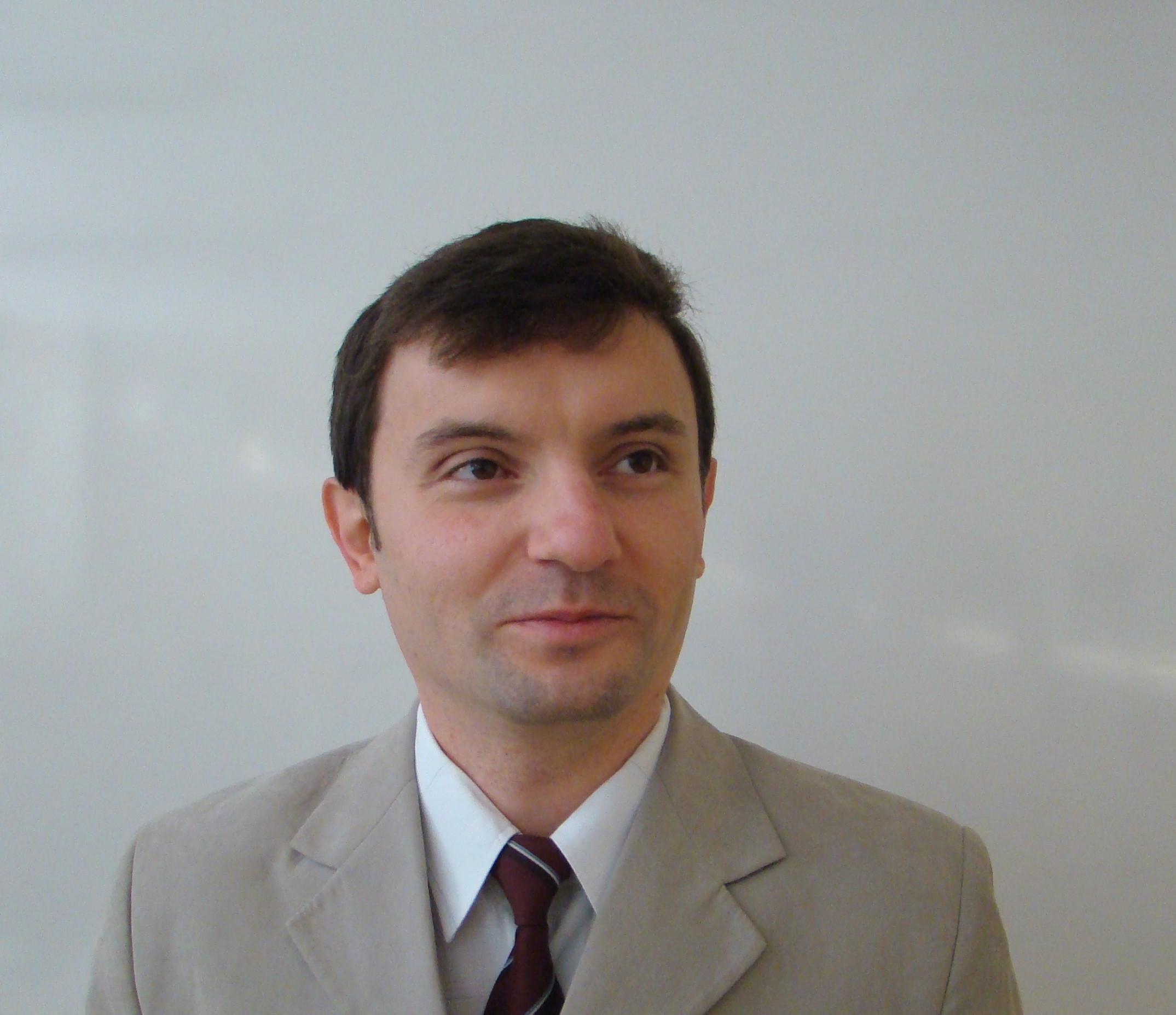 Гл. ас. д-р    Ивелин Георгиев Иванов